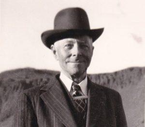 Jónas Kristjánsson árið 1955 í Hveragerði